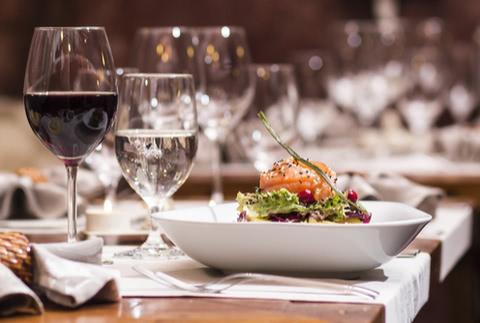 外食でANAマイルを貯める方法!ポイントサイトや予約でお得に貯まる