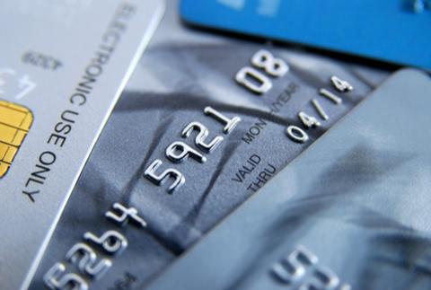 クレジットカードを複数枚持って使い分けるメリットと審査への影響