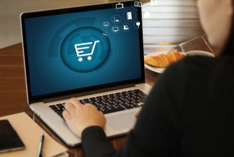 海外通販サイトでクレジットカード決済を利用する際に必要な手数料